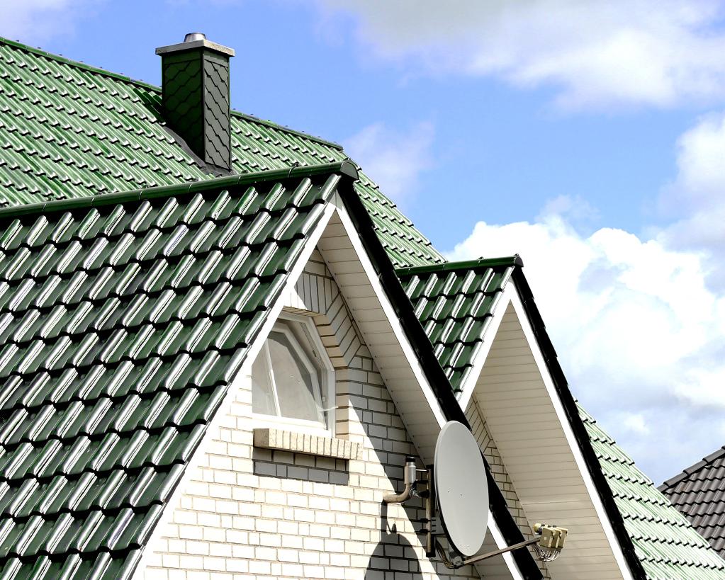 Dachdecker und Fassadenbauer aus Essen für Ein- und Mehrfamilienhäuser